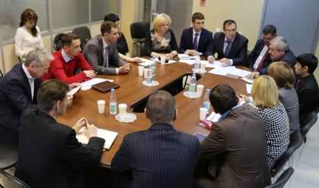 Круглый стол «Опыт эффективного взаимодействия предприятий и организаций нефтегазового сектора с органами государственной власти и обществом»